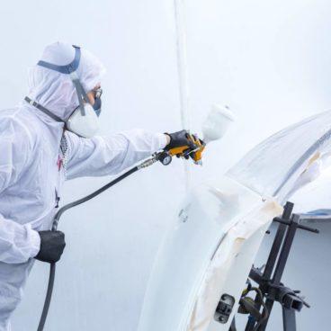 我们在温哥华有专业的汽车喷漆及补漆服务